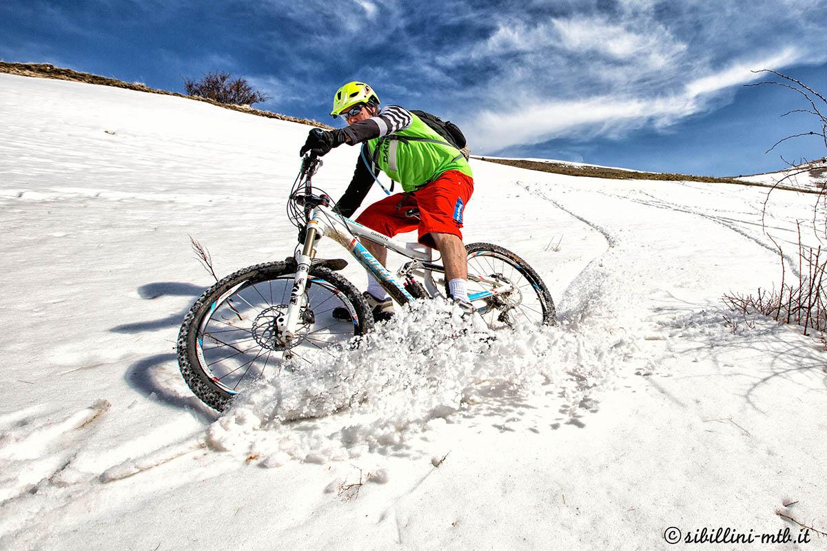 A spasso sui monti sibillini con i bikers in cresta for Piani di coperta elevati