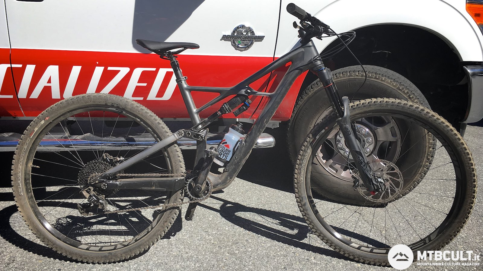 Specialized Enduro 29 vs Trek Slash 29