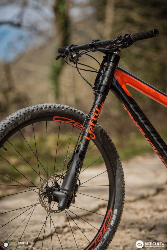 cannondale scalpel si carbon 2 eagle, differenze tra Specialized Epic e Cannondale Scalpel-Si