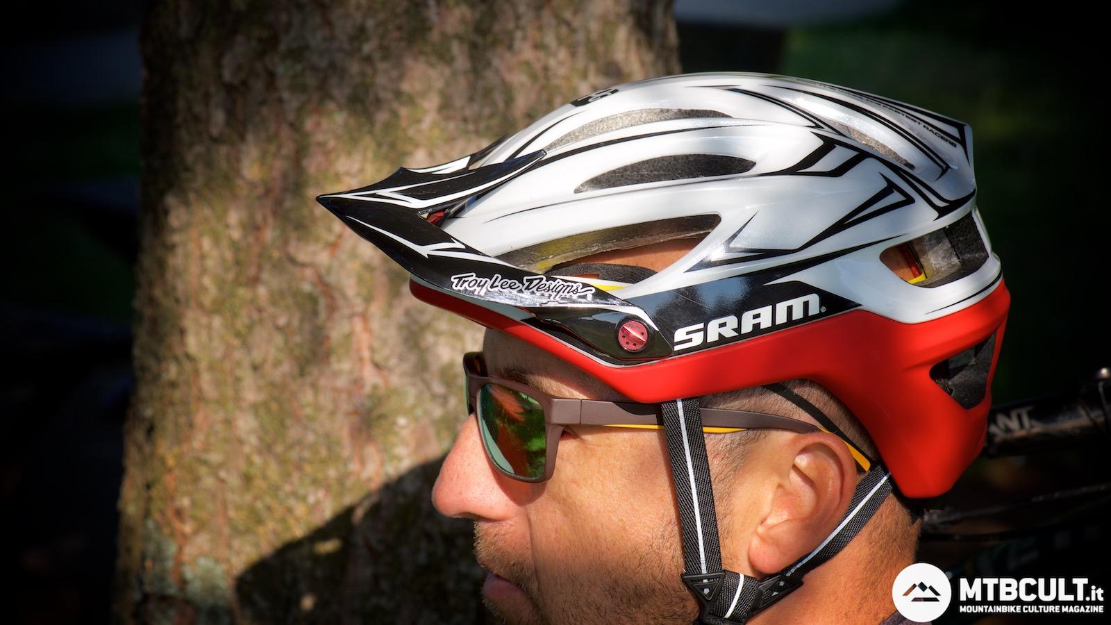 Troy Lee Designs Helmet >> TEST - Troy Lee Designs A2 Mips Sram: non c'è solo lo stile - MtbCult.it