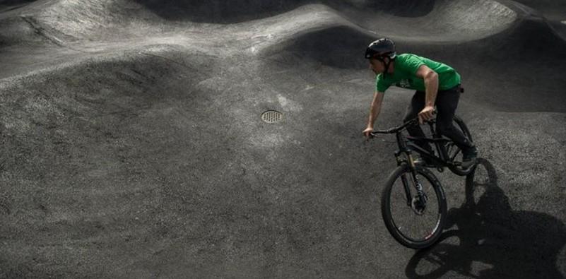 Tecnica e socialità: l'importanza di una pump track in città