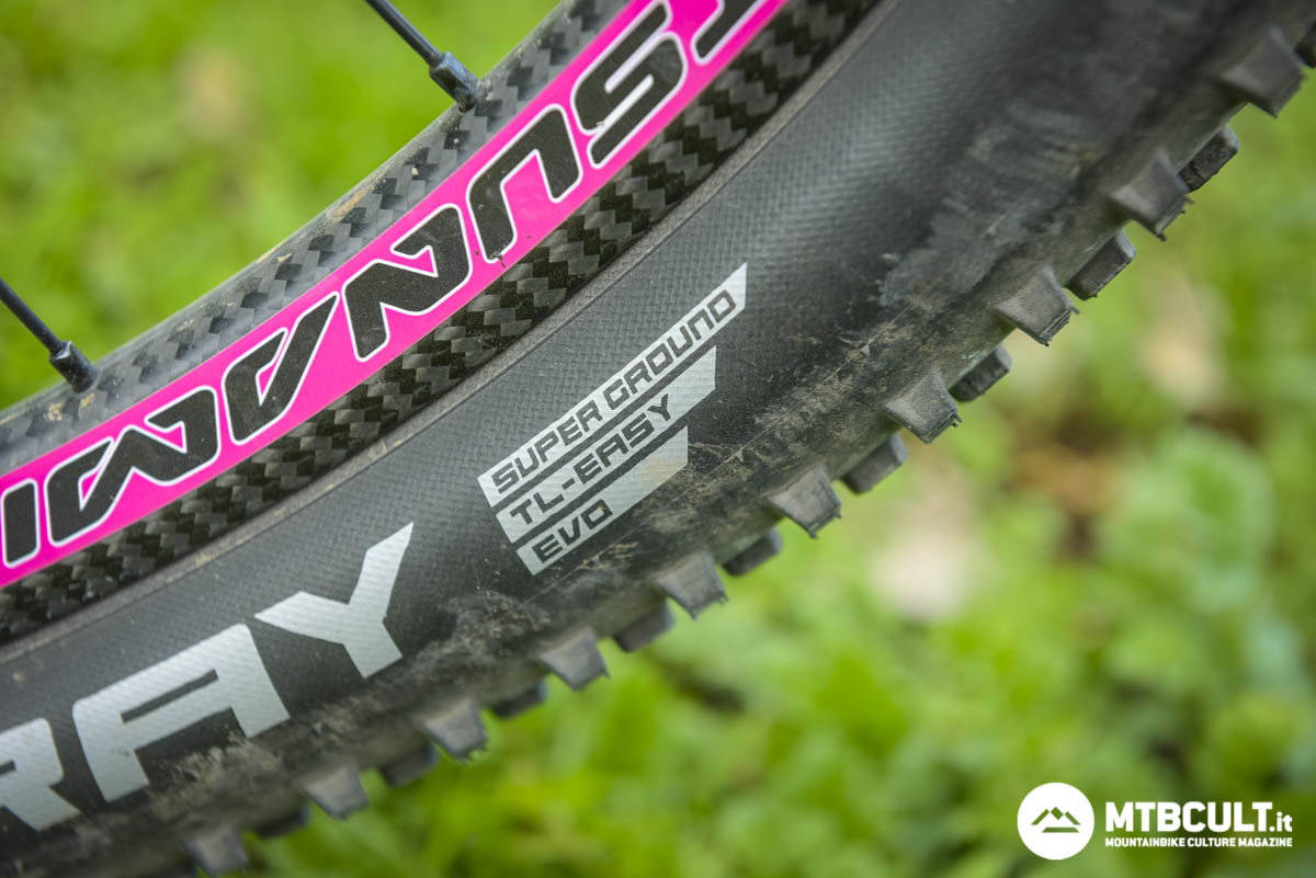 Schwalbe Super Race vs Super Ground