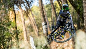 Dainese e Canyon Factory Racing insieme per le prossime due stagioni