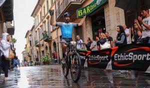 VIDEO - Roberto Crisi in trionfo alla GF Est! Est!! Est!!! 2019