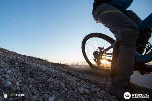 """Uscire in bici al mattino presto: una """"magica"""" abitudine che ti aggiusta la giornata"""