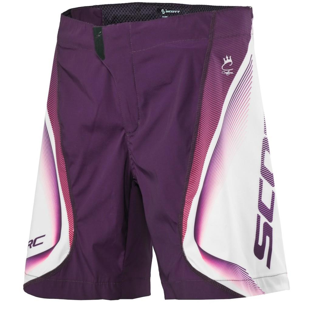 Baggy short per lei? Ecco gli Scott Rc con colorazione specifica, grande comfort di pedalata e con un occhio allo stile.