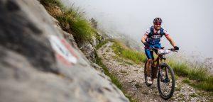 Sole e pioggia, ai confini con la Francia: ecco la 7ª giornata di Alta Via Stage Race