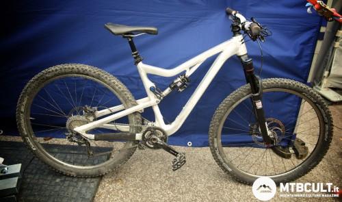 """Il prototipo trailbike Rose da 29"""" con 130 mm di travel."""