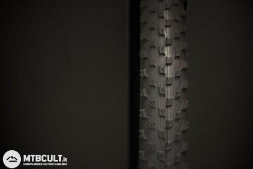 """Vittoria E-Barzo (per terreni scorrevoli e specifiche per e-bike con misure di 27,5x2,1"""")"""