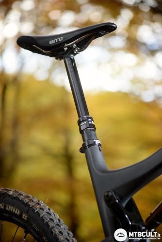 Il RockShox Reverb da 150 mm.