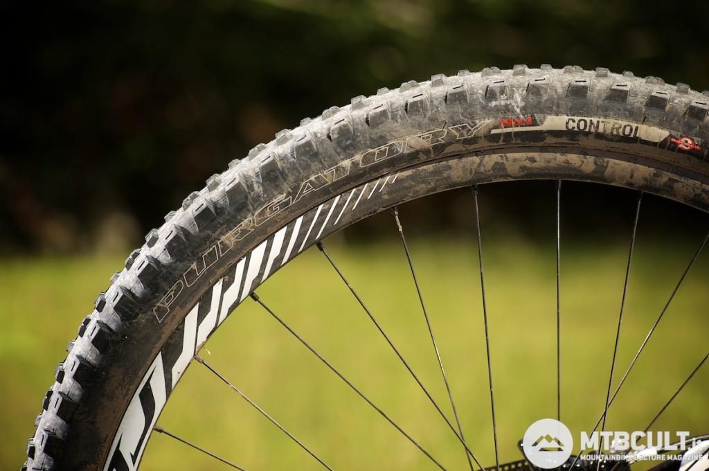 Le ruote Roval Traverse Sl 29 sono un piccolo valore aggiunto sulla versione S-Works: precise, rigide e molto reattive.