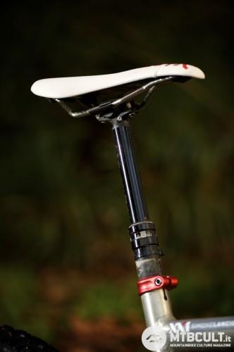 Il reggisella Rock Shox Reverb è fra i più popolari. La sella può essere abbassata a proprio piacimento.