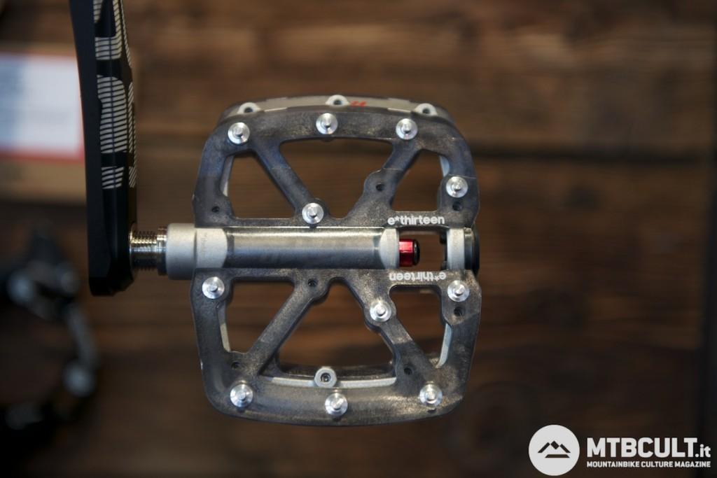 La grafica ufficiale del pedale Lg1r.