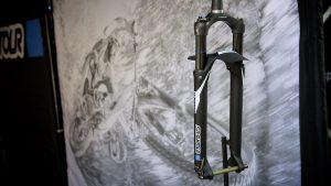 Sr Suntour Axon 34: steli più grandi, design italiano