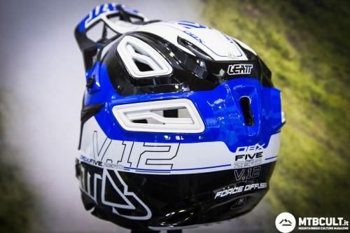 Il casco Leatt Dbx 5.0
