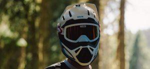 Arriva il nuovo casco integrale Kask Defender abbinato alla maschera Koo Edge
