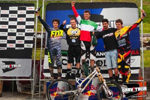 Il podio di Champoluc con Von Klebersberg in maglia tricolore.