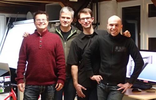 Peter Denk, il primo da sinistra, entra nella schiera dei collaboratori di Specialized.