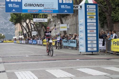 L'arrivo di Samuele Porro, campione italiano Marathon in carica