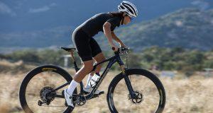 Orbea by Hiru: la nuova collezione di abbigliamento tecnico da ciclismo si fa in tre