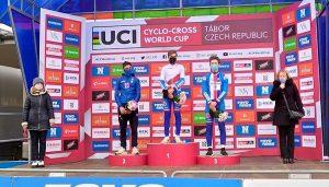 Coppa del Mondo Ciclocross: Lorenzo Masciarelli e Lucia Bramati sul podio