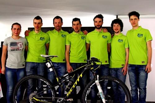 Da sinistra: Nicoletta Bresciani, Yuri Ragnoli, Franz Hofer, Igor Baretto, Paolo Colonna, Luca e Andrea Martini