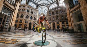 VIDEO - TransNapoli, un'avventura urbana (o quasi) con Hans Rey