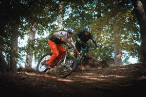 """VIDEO - Danny MacAskill e Kriss Kyle: """"This and That"""""""