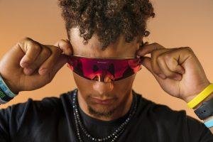 Oakley Kato: gli occhiali innovativi che rivoluzionano il volto dello sport