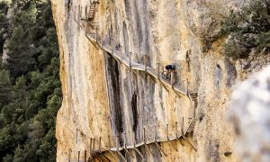 VIDEO - David Cachon in gravel su uno dei trail più esposti al mondo