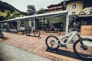 Canyon lancia le CLLCTV Sessions, una serie di eventi per testare le bike e pedalare insieme